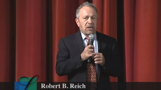 وزير العمل الأمريكي السابق روبرت رايخ - من شاشة اليوتوب