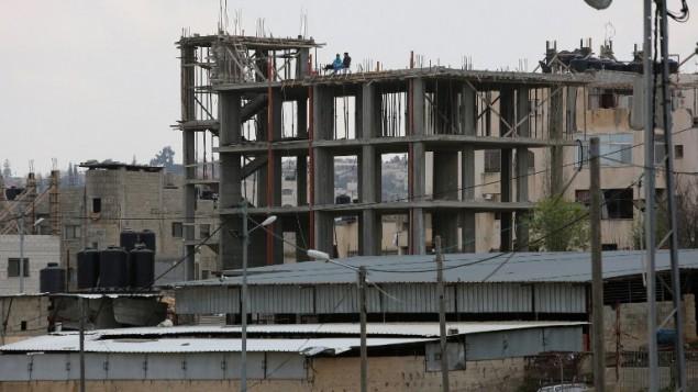 موقع بناء في مخيم الجلزون، شمال مدينة رام الله في الضفة الغربية، 24 مارس 2015 (ABBAS MOMANI / AFP)