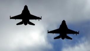 طائرات حربية من طراز اف 16 (Tsahi Ben-Ami/Flash90)