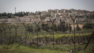 صورة توضيحية للجدار الذي يفصل إسرائيل عن الضفة الغربية. ( Hadas Parush/Flash90)