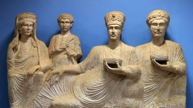 (ارشيف) تماثيل معروضة في متحف تدمر، 14 مارس 2014 (JOSEPH EID / AFP)