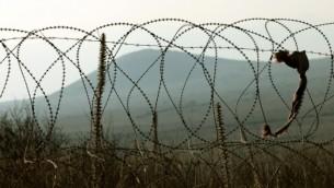 سياج شائك على الحدود السورية (بعدسة موشي شاي/ فلاش 90)