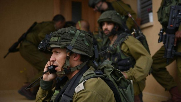جنود خلال تدريبات للجيش الإسرائيلي  في شعبة حدود غزة في 22 مارس، 2015. (المتحدث باسم الجيش الإسرائيلي)