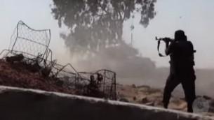 صورة توضيحية لمجاهدون في شبه جزيرة سيناء (YouTube screen capture)