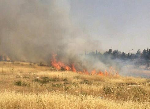 حريق بالقرب من القدس الأربعاء، 27 مايو، 2015 (سلطة الإطفاء والإنقاذ)