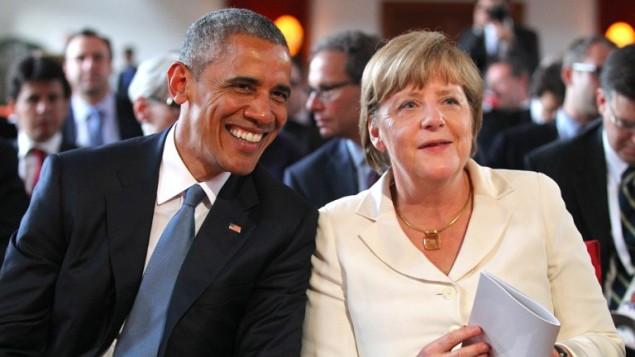 المستشارة الأمريكية انغيلا ميركيل والرئيس الأمريكي باراك أوباما خلال ققمة السبع في المانيا، 7 يونيو 2015 (KARL-JOSEF HILDENBRAND / POOL / AFP)