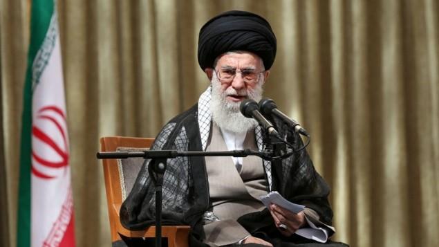 المرشد الأعلى الإيراني آية الله علي خامنئي، 4 يونيو، 2014. (AFP/ HO /Iranian Supreme Leader's Website)