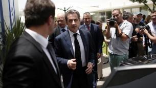 الرئيس الفرنسي السابق نيكولا ساركوزي بعد زيارة لشركة اسرائيلية في القدس، 8 يونيو 2015 (THOMAS COEX / AFP)