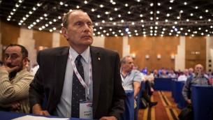 دكتور ليونيد إدلمان خلال مؤتمر نقابة الأطباء، بعد فوزه بإنتخابات رئاسة النقابة، في مركز المؤتمرات في القدس، الثلاثاء، 29 أبريل، 2014. (Hadas Parush/Flash 90)