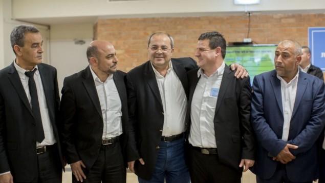 أعضاء من القائمة (العربية) المشتركة في الكنيست، يناير 2015 (Yonatan Sindel/Flash90)