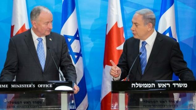 رئيس الوزراء بينيامين نتنياهو يلتقي بوزير الخارجية الكندي روبرت نيكولسون في القدس، 3 يونيو، 2015. (Emil Salman/POOL)