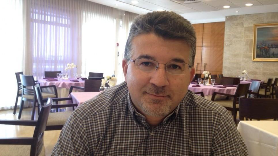 عضو الكنيست يوسف جيارين من القائمة (العربية) المشتركة في الكنيست، 9 يونيو، 2015. (Elhanan Miller/Times of Israel)