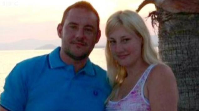 ماثيو جيمس وخطيبته سايرا ويلسون  (YouTube screen capture/BBC)