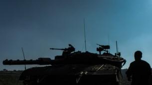 قوات الجيش الإسرائيلي في هضبة الجولان، صورة أرشيف (Basal Awidat/Flash90)