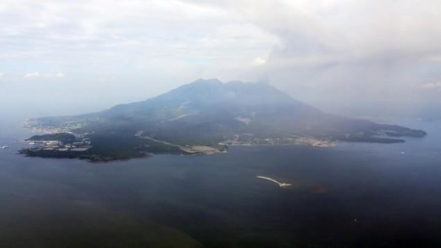 بركان ساكوراجيما الواقع في جنوب اليابان، 30 مايو 2015 (JIJI PRESS / AFP)
