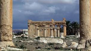 صورة من 14 مارس 2014 لمعبد بعل شمين الشهير في مدينة تدمر الاثرية الواقعة في وسط سوريا والمدرجة على لائحة التراث العالمي  (AFP PHOTO/JOSEPH EID)