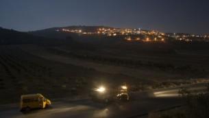 صورة توضيحية لجنود إحتياط في الجيش الإسرائيلي خارج جنين. (Matanya Tausig / Flash 90)
