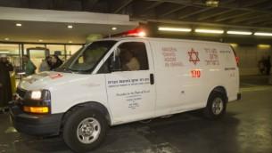 صورة توضيحية لسيارة إسعاف تابعة لنجمة داوود الحمراء. (Yonatan Sindel/Flash90)