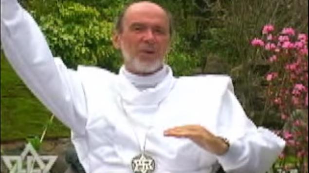 مؤسس الرائيلية كلود فوريلون (لقطة شاشة: YouTube)