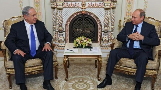 رئيس الوزراء بنيامين نتنياهو والرئيس الروسي فلاديمير بوتين خلال لقائهما في موسكو، 21 سبتمبر 2015 (MIKHAIL KLIMENTYEV / RIA NOVOSTI / AFP)