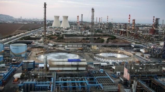 المنطقة الصناعية في حيفا. (Avishag Shaar Yashuv/Flash90)