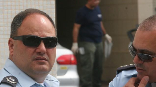 القائم بأعمال مفتش الشرطة بنتسي ساو (من اليسار). (Roni Schutzer/Flash90)