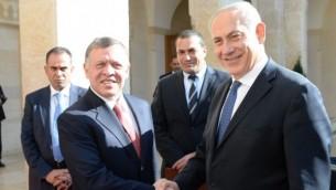 رئيس الوزراء بينيامين نتنياهو خلال لقاء مع الملك الأردني عبد الله الثاني في الأردن في شهر يناير، 2014. (Kobi Gideon / GPO/FLASH90)