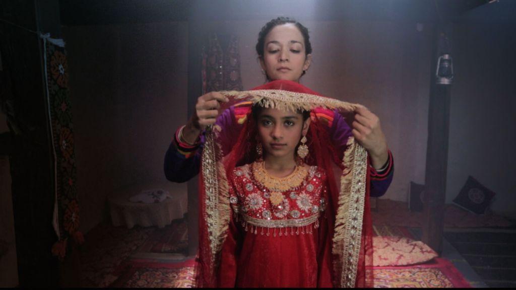 'دختار' هو اول فيلم من تأليف واخراج عافية نثانئيل، امرأة باكستانية تسكن في مدينة نيويورك (Armughan Hassan)