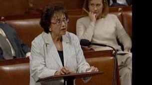 النائبة نيتا لوي (نيويورك)، نائبة ديمقراطية وكبيرة النواب الديمقراطيين  في اللجنة  الفرعية للعمليات الخارجية التابعة للجنة المخصصات في مجلس النواب الأمريكي. (لقطة شاشة: YouTube/nitalowey)