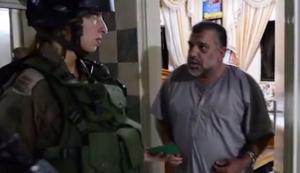 الجيش الإسرائيلي يعتقل الشيخ حسن يوسف في منزله، 20 أكتوبر، 2015. (لقطة شاشة من YouTube)