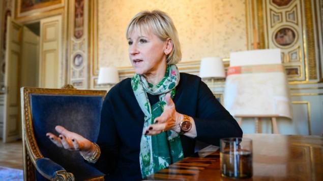 مارغوت فالستروم، وزيرة الخارجية السويدية، في مكتبها في 31 اكتوبر، 2014، في ستوكهولم. (photo credit: AFP/Jonathan Nackstrand)