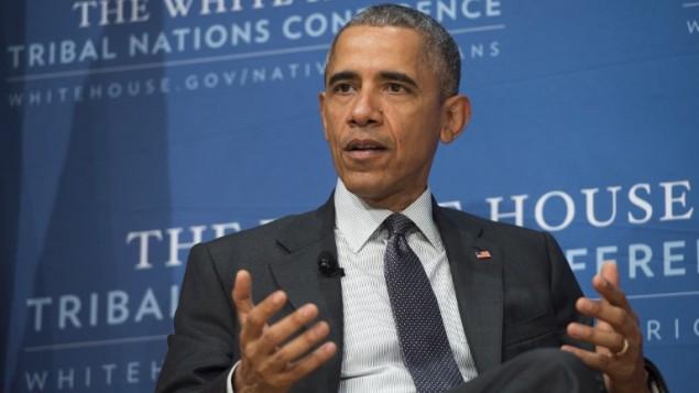 الرئيس الأمريكي باراك أوباما خلال حديث له في مؤتمر البيت الأبيض للأمم القبلية في مبنى دونالد ريغين ومركز التجارة العالمي في العاصمة واشنطن، 5 نوفمبر، 2015. (AFP PHOTO / SAUL LOEB)