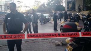 مكان وقوع هجوم طعن في تل ابيب، 19 نوفمبر 2015 (Judah Ari Gross/ Times of Israel)