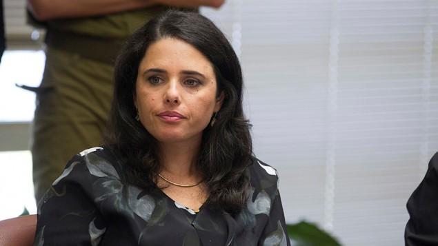 """وزيرة العدل أييليت شاكيد (حزب """"البيت اليهودي"""") خلال إجتماع لحزبها في الكنيست، في القدس، 12 أكتوبر، 2015. (Miriam Alster/Flash90)"""