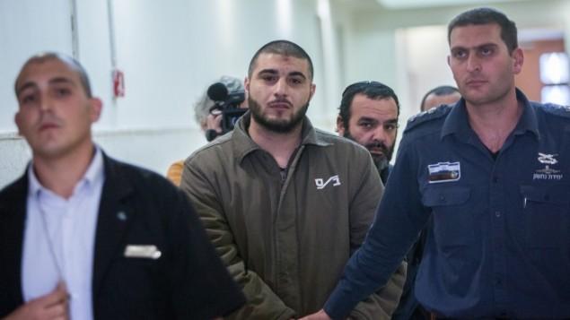 موسى عجلوني بطريقه الى المحكمة في القدس، 11 نوفمبر 2015 (Yonatan Sindel/Flash90)
