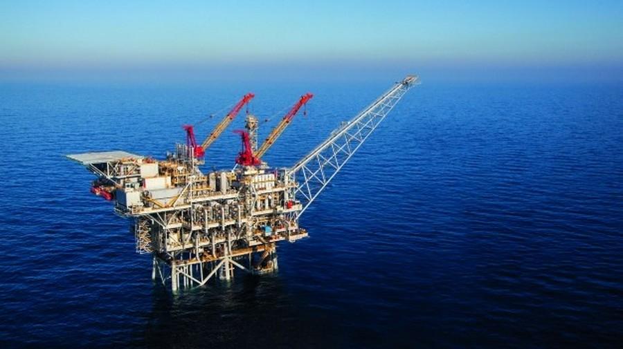 صورة توضيحية: صورة من الجو لمنصة تنقيب عن الغاز الطبيعي قبالة السواحل الإسرائيلية. (Albatross Aerial photography/Noble Energy/Flash90/File)
