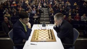صورة توضيحية لمباراة شطرنج (JUSTIN TALLIS / AFP)