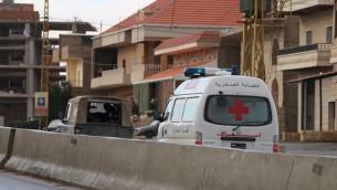 صورة توضيحية لسيارة اسعاف تابعة للصليب الاحمر في لبنان، 1 ديسمبر 2015 (AFP)