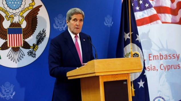 وزير الخارجية الأمريكي جون كيري خلال خطاب في مركز فولبرايت في نيقوسيا، 3 ديسمبر 2015 (JONATHAN ERNST / POOL / AFP)