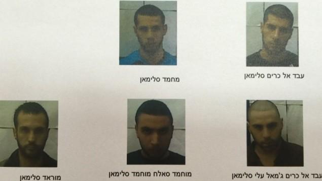 خمسة الرجال الذين اعتقلوا من قبل الشاباك للاشتباه بدعمهم لتنظيم الدولة الإسلامية والتخطيط لتنفيذ هجمات (Shin Bet)