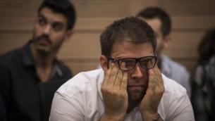 عضو الكنيست أورن حزان في جتماع  للجنة المالية في 18 نوفمبر، 2015. (Hadas Parush/Flash90)
