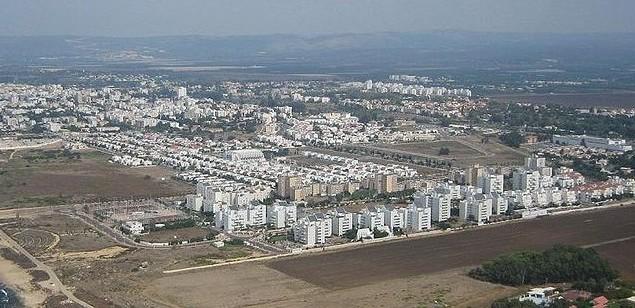 مدينة نهاريا الساحلية في شمال اسرائيل عام 2006 (Wikimedia Commons Public Domain)