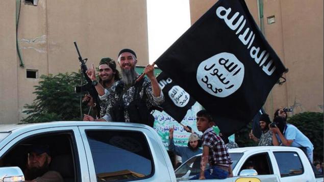 صورة توضيحية لمقاتلي تنظيم الدولة الإسلامية (screen capture: Dabiq Magazine)