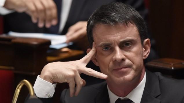 رئيس الحكومة الفرنسية مانويل فالس في البرلمان الفرنسي، 16 ديسمبر 2015 (DOMINIQUE FAGET / AFP)