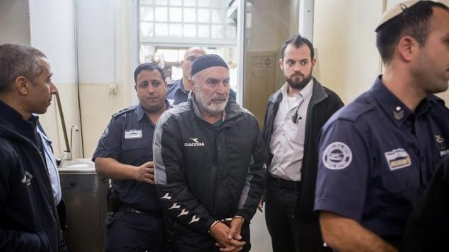 الناشط اليساري عزرا ناوي في المحكمة المركزية في القدس، 20 يناير 2016 (Yonatan Sindel/Flash90)