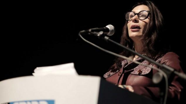 وزيرة الثقافة ميري ريغيف في مسرح هبيما في تل أبيب، 27 يناير، 2016. (Tomer Neuberg/Flash90)