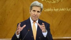 وزير الخارجية الامريكي جون كيري خلال مؤتمر صحفي مشترك مع نظيره الاردني ناصر جودة، 21 فبراير 2016 (KHALIL MAZRAAWI / AFP)