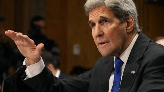 وزير الخارجية الأمريكي جون كيري في شهادة له خلال جلسة إستماع في لجنة الشؤون الخارجية في مجلس النواب الأمريكي، في الكابيتول هيل، 23 فبراير، 2016 في العاصمة واشنطن. (Mark Wilson/Getty Images/AFP)