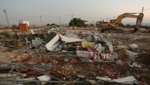 من الأرشيف: مبان مدمرة في بؤرة ميغرون الإستيطانية الغير قانونية في 12 سبتمبر، 2012. (Oren Nahshon/Flash90)