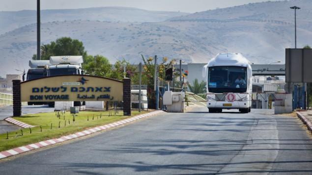 صورة للمعبر الحدودي بين الاردن واسرائيل، 5 اغسطس 2013 (Moshe Shai/FLASH90)